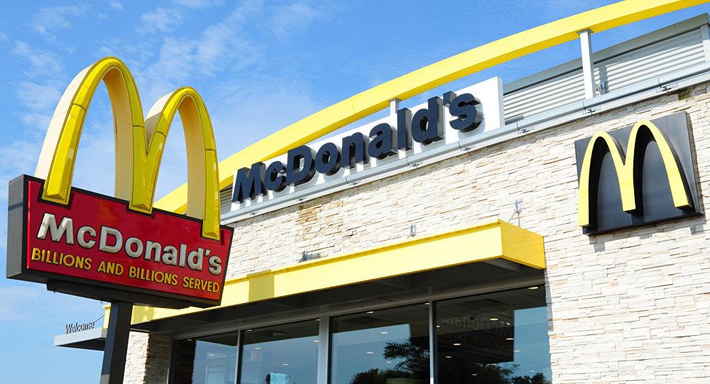 媒體:美國警察因四川辣醬問題被叫到麥當勞餐廳