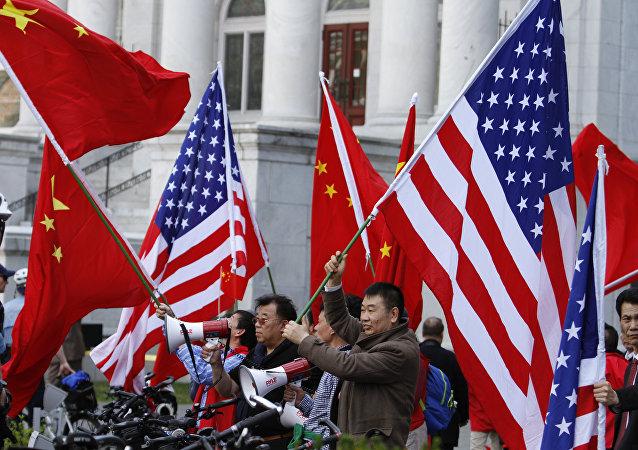 中美瀕臨貿易衝突邊緣 - 誰更倒霉?