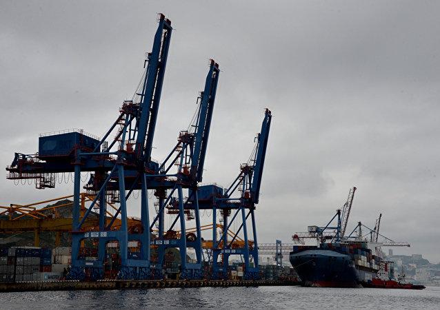 符拉迪沃斯托克商業港(超前發展區)