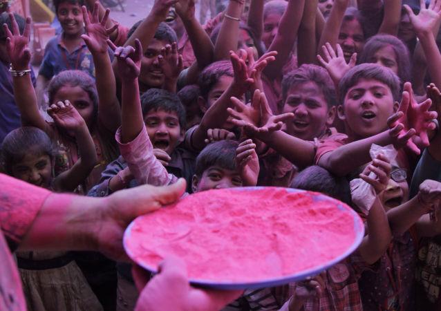 媒體:印度一名12歲的男孩成為最年輕父親