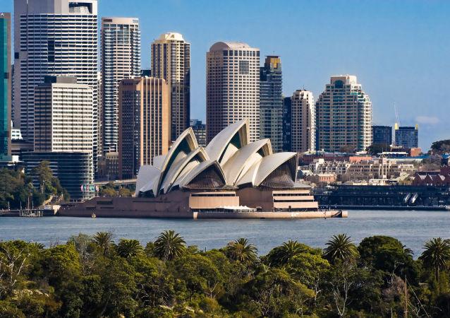 澳大利亞海德公園一座英國航海家紀念碑遭到褻瀆