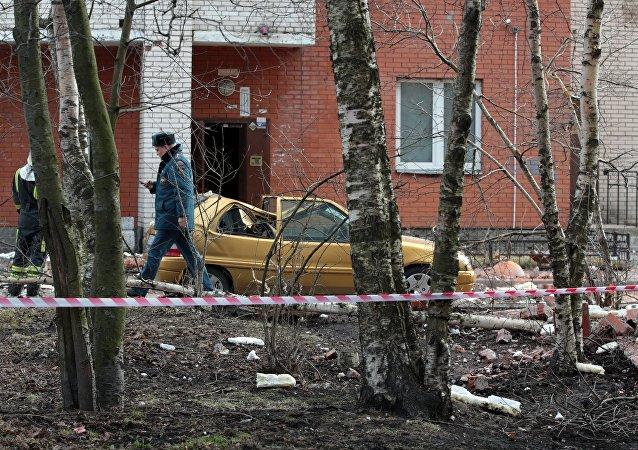 聖彼得堡一棟多層居民住宅樓中發出巨響