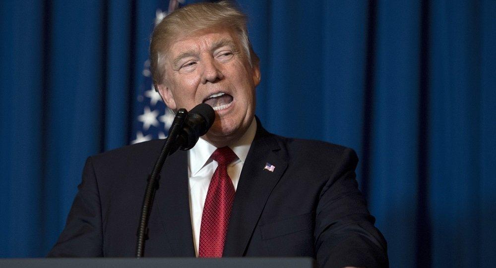 媒體報道稱,特朗普親自將美軍打擊敘空軍基地一事告訴了習近平