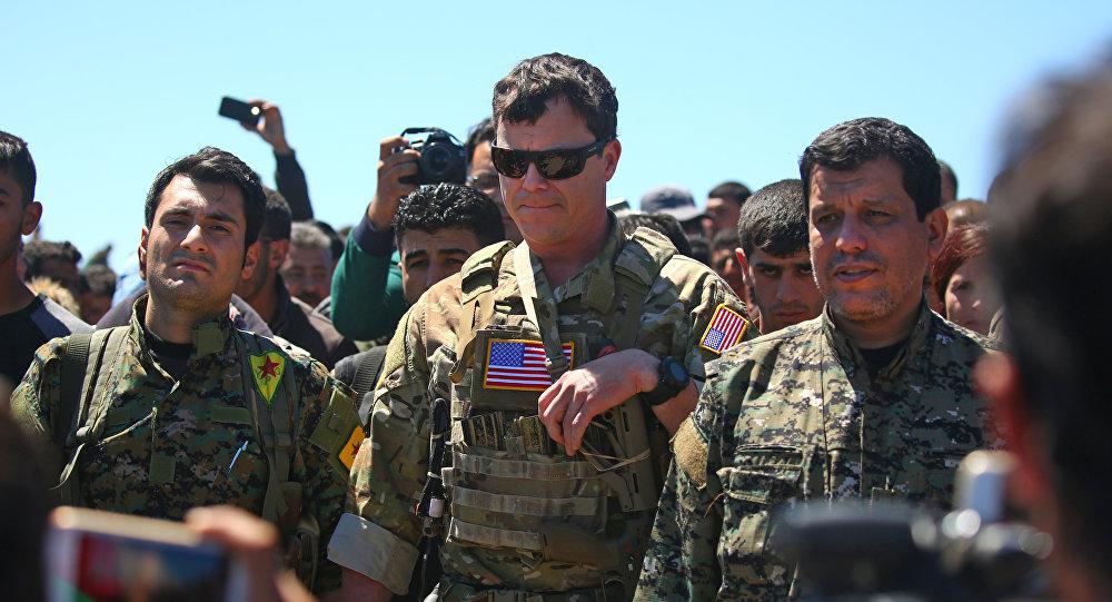 美國軍人和敘庫爾德人