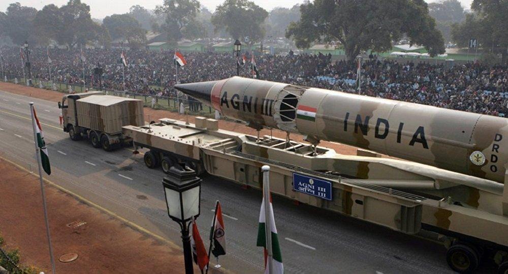 「烈火-3」中程彈道導彈