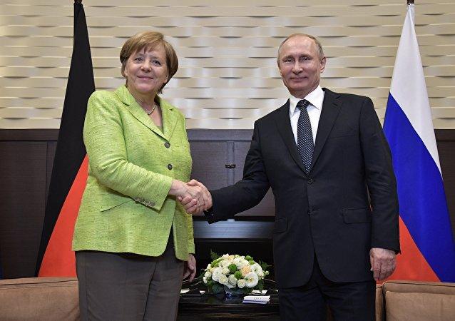 普京和默克爾電話討論漢堡G20國首腦會議主要議題