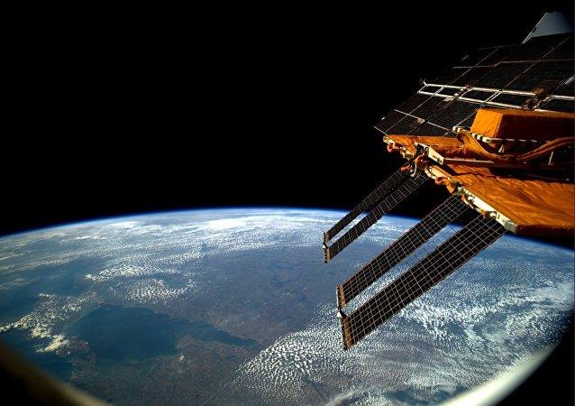 3女3男將在地球上的「月球飛船」中禁閉17天