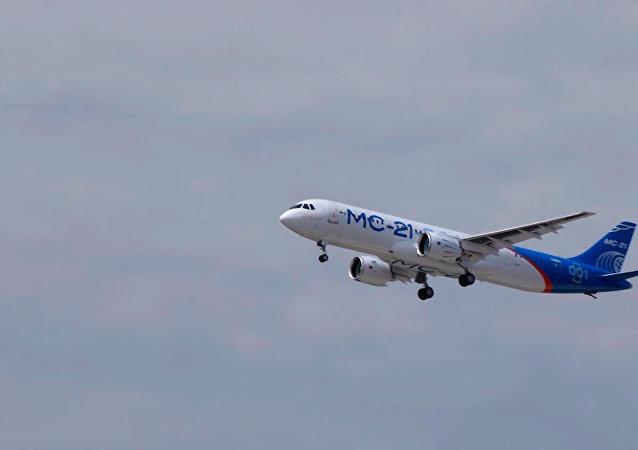 俄制新型客機MC-21