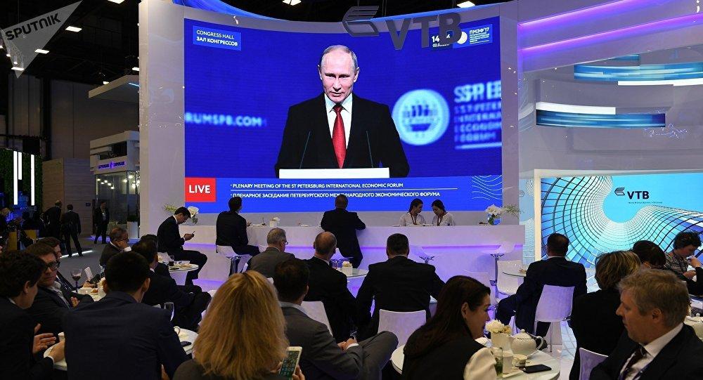 普京:俄將繼續就兩國關係正常化與美國保持對話