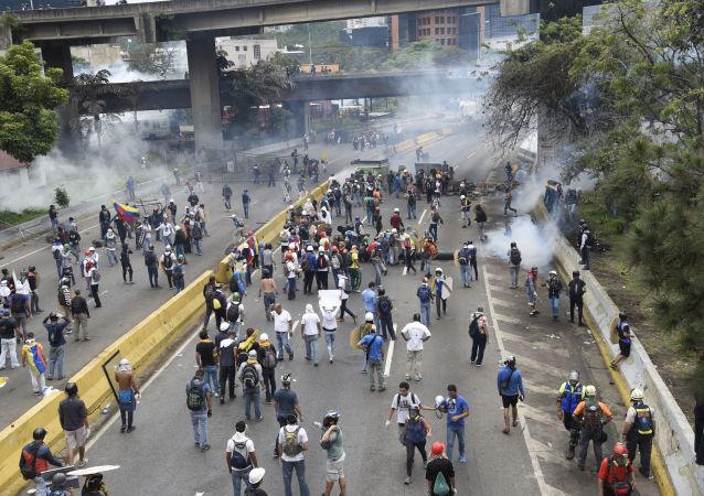 美國或對委內瑞拉石油業實施制裁