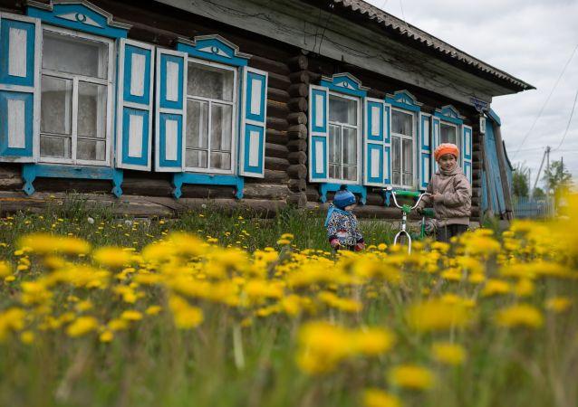 莫斯科因氣候溫暖春花夏草綻放