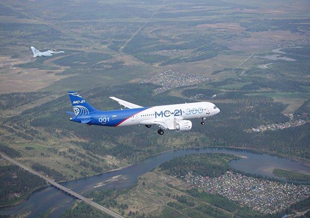 MC-21客機