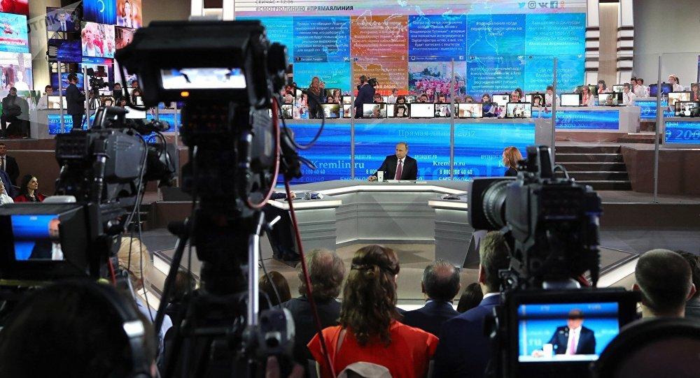 普京「直播連線」收到超過100萬條俄公民留言