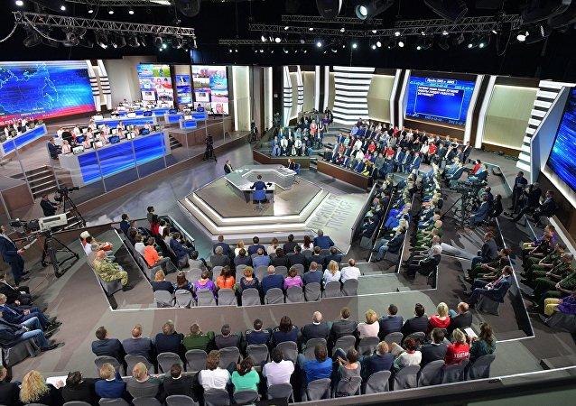 「與普京直播連線」持續約4小時 俄總統共回答73個問題