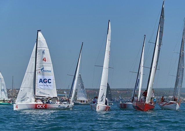 聖彼得堡大學生帆船賽中國隊獲第三名