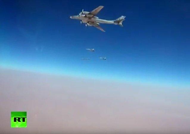 圖-95MC轟炸機攜帶最新的X-101巡航導彈打擊在敘「伊斯蘭國」陣地