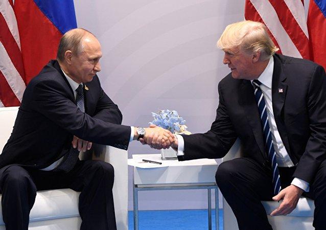 美國總統特朗普表示,繼續推進同俄羅斯進行建設性合作的時刻已經到來
