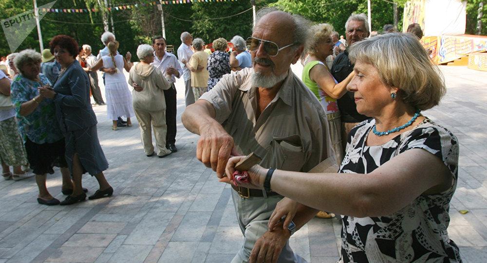 意大利老年學學家揭示長壽的秘訣