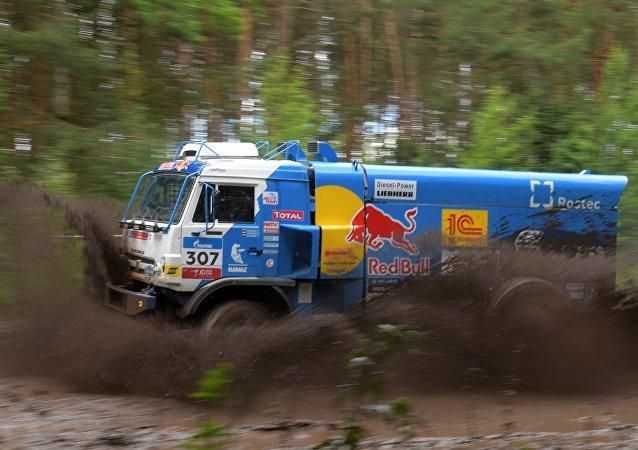 普京祝賀「卡瑪斯大師」車隊贏得絲綢之路拉力賽