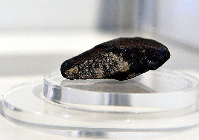 香港佳士得公司成功拍賣三塊錫霍特-阿林隕石碎片