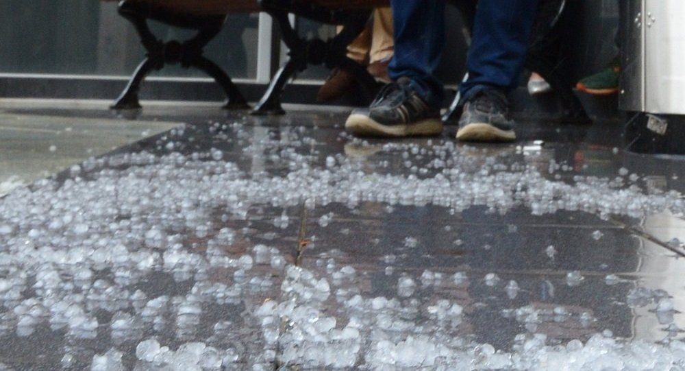澳大利亞降下雞蛋大小冰雹
