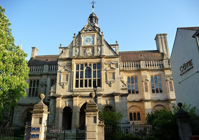 英國牛津大學