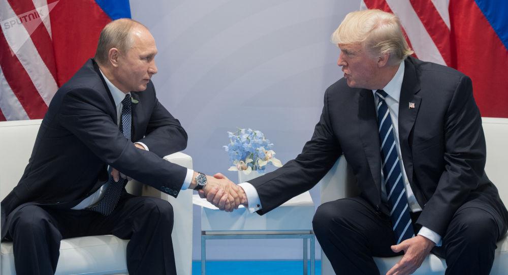 特朗普和普京在漢堡會面時