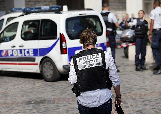 一家四口在法國火車站遭槍殺