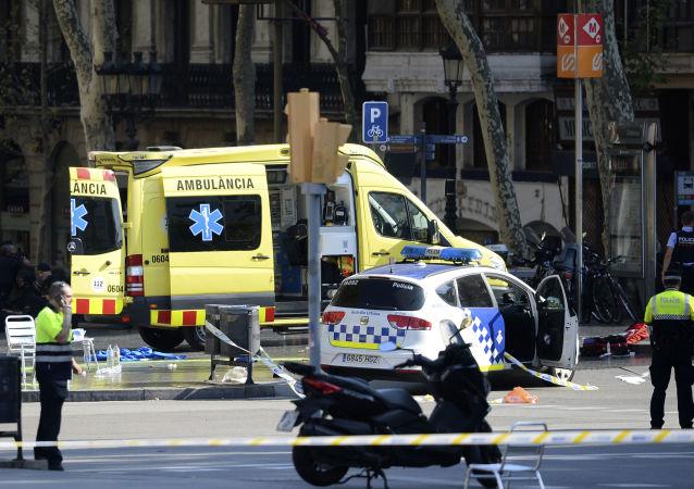巴塞羅那一輛失控汽車撞響人群導致4人入院治療
