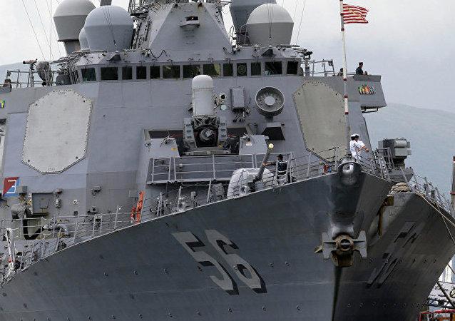 美國「約翰∙麥凱恩」號驅逐艦