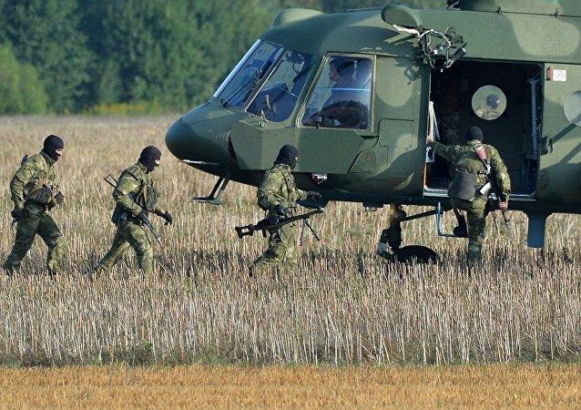 白俄和俄軍人在完成」西方-2017「演習後於9月30日前返回常駐地