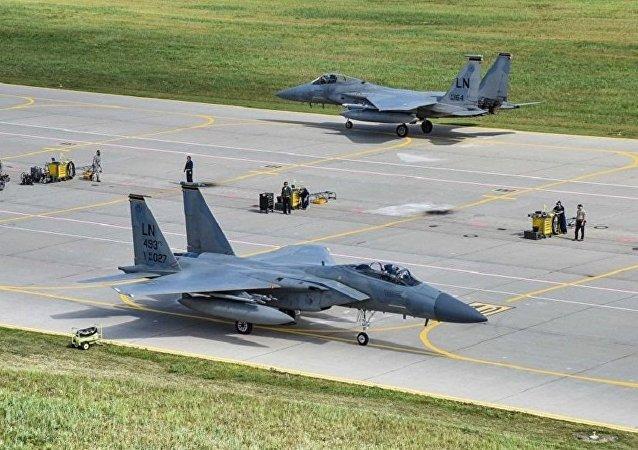 媒體:超過300名沙特學員被暫停在美國接受飛行培訓