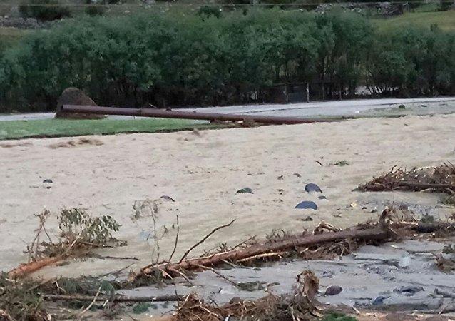 俄卡巴爾達-巴爾卡爾共和國發生泥石流