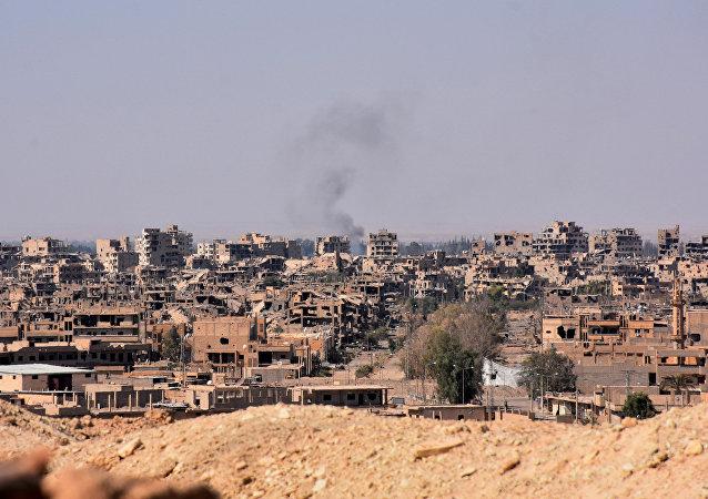 敘利亞人逃出代爾祖爾