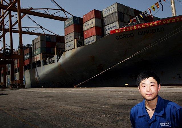 中遠洋海運集團將加大開發北方海路的力度