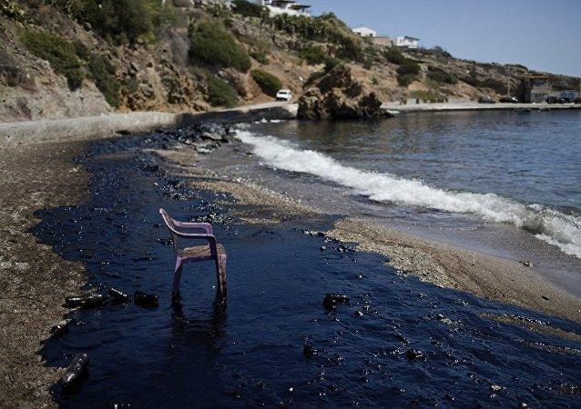 希臘海域重油洩露事件或將造成5億歐元的損失