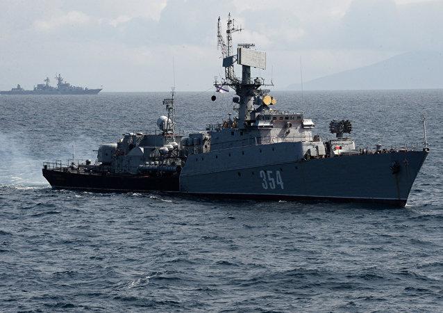 俄中海軍艦艇在黃海海域擊沈假想敵潛艇