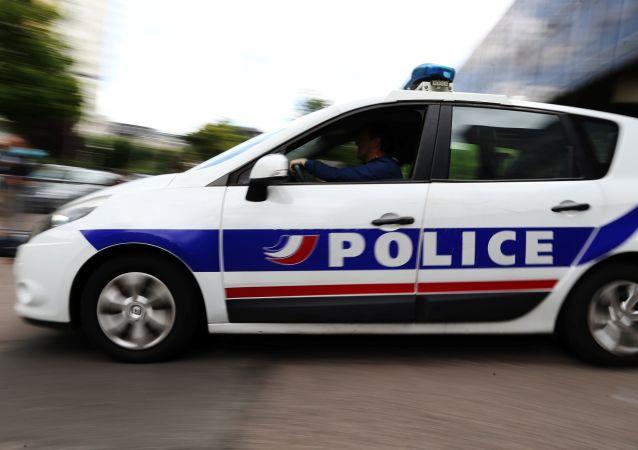 法國南部監獄的一名囚犯將女護士劫為人質
