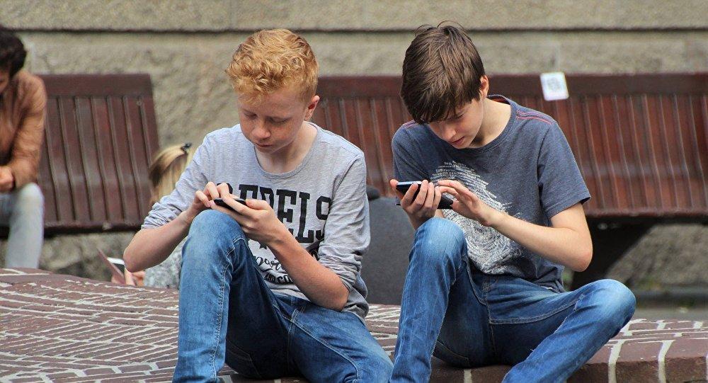 對社交網絡的依賴可與酒精中毒相比