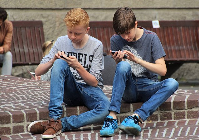 過半俄羅斯人不支持中小學全面禁止手機