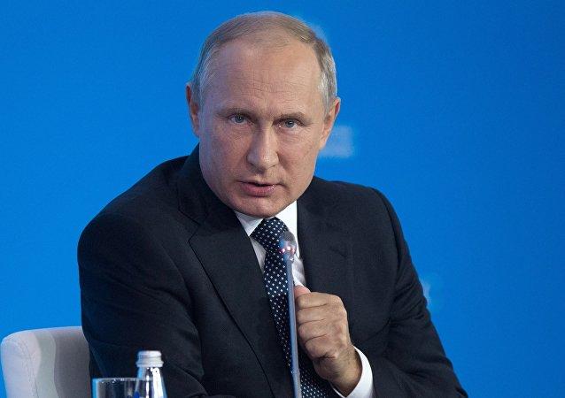 俄總統新聞秘書:等等普京會在記者會上說他將如何選舉提名