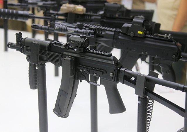 俄羅斯首次向加蓬提供武器援助