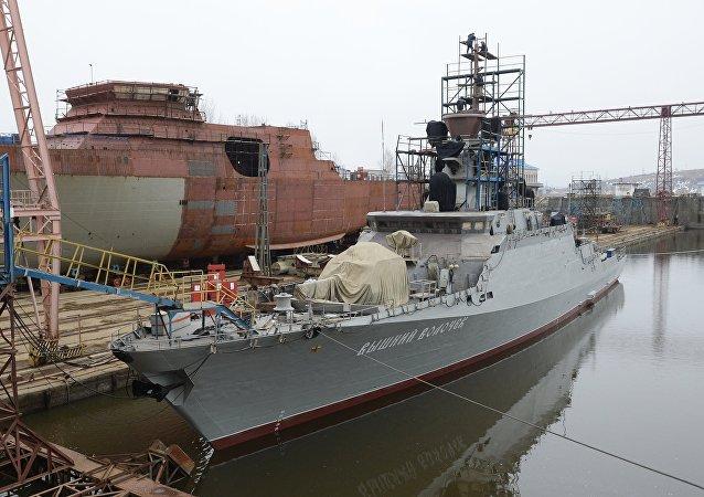 「上沃洛喬克」號小型導彈艦