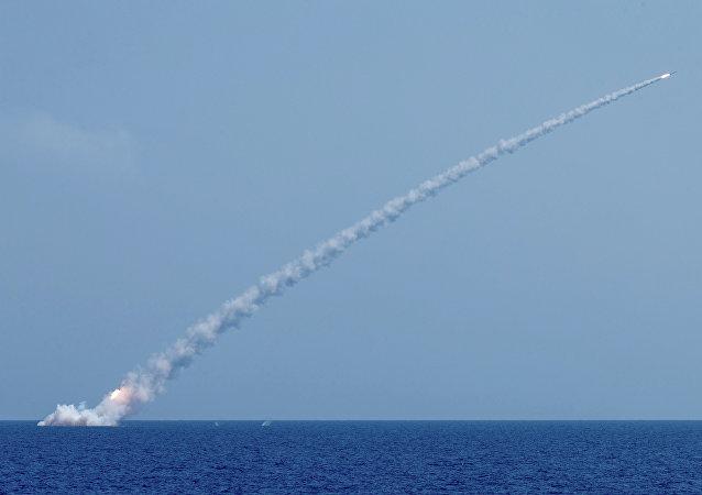 俄國防部:發射6枚「口徑」導彈打擊敘阿布凱馬勒地區的「伊斯蘭國」目標