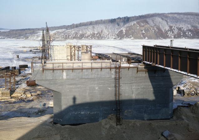 俄中跨境橋項目拖欠工資俄政府出面清償