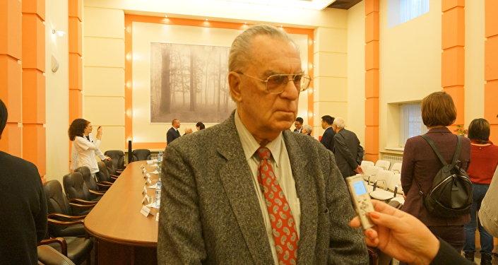 歷史學博士尤里·加林諾維奇