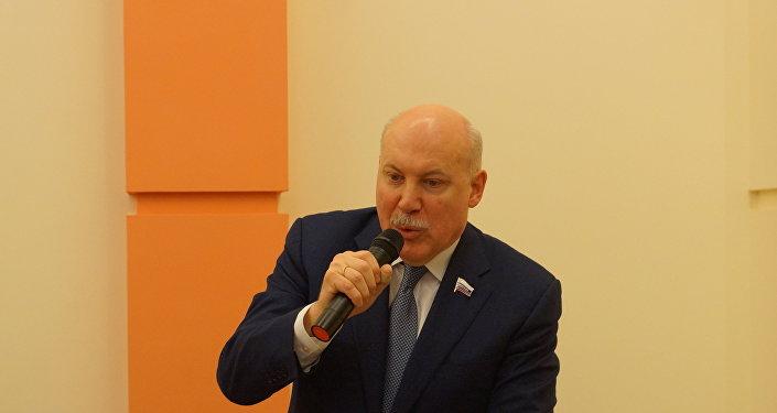 俄中友好協會主席德米特里·梅津採夫