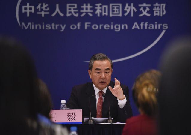 中國外長:反恐、對話和重建是解決敘問題的三個著力點