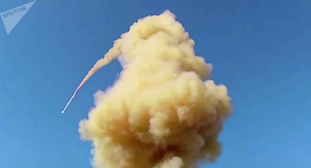 俄空天軍防空反導部隊在哈薩克斯坦薩雷沙甘靶場成功試射了新型反導導彈(資料圖片)
