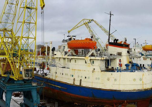 陶里亞蒂修船廠